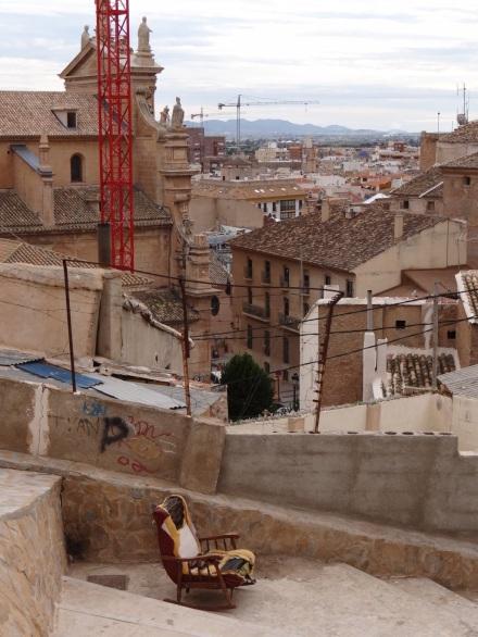 Die Zerstörungen durch das Erdbeben sind fast überall noch sichtbar.