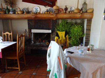 Mittagessen und Aufwärmen in den Alpujarras
