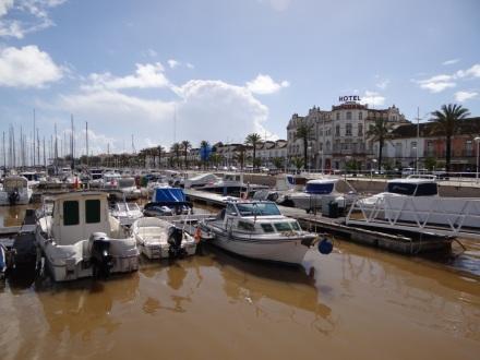 Die Marina von Vila Real