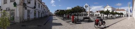 Der zentrale Platz in Vila Real – hier wollten die Portugiesen Eindruck machen auf die Spanier, die übe den Fluss kamen und kommen.