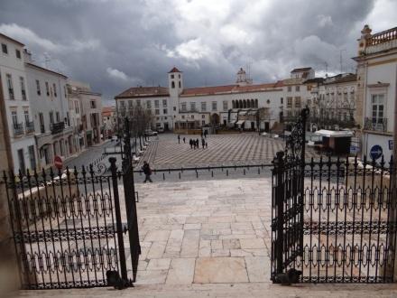 Blick von der Kathedrale auf die Praca de Republica