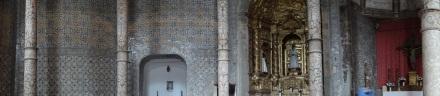 In der Igreja dos Domínicas – typisch für Portugal: die Azulejos (Kachelmuster oder -motive an den Wänden)