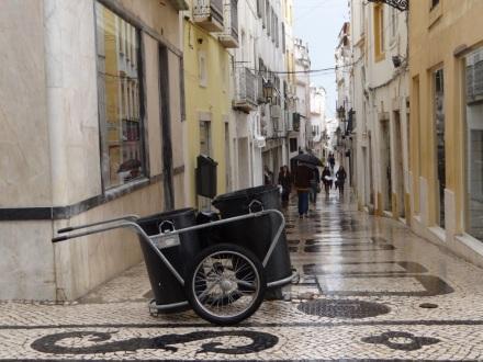 Die Rua da Carreira direkt nach einem erneuten Regenguss