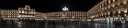 Auf der Plaza Mayor ist natürlich auch abends 'ne ganze Menge los - einfach wunderschön!