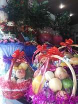 Obst gehört zu den beliebtesten Geschenken hier in China. Shelley bringt bei jedem 2. Besuch im Büro der Deutschlehrer/innen Äpfel oder Pfirsiche für uns alle mit ... und auch Zhengping beschenkt mich immer wieder mal mit Obst.