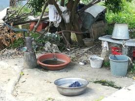 Mein Hotel liegt in einem recht ursprünglichen Viertel von Yangshuo - mit z.T. sehr einfachen Lebensverhältnissen.