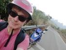 Welch' ein Spaß - mit dem Motorroller über einsame Bergsträßchen. Tagesmiete: 180 RMB!