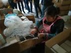 In Tonglu gibt es eine riesige Kugelschreiberfabrik. Und in diesem Dorf in der Umgebung montieren und verpacken Landfrauen die Kugelschreiber im Akkord.