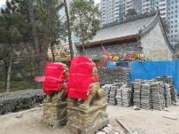 Aber auch Rekonstruktionen des traditionellen China entstehen überall - mit großem Aufwand.