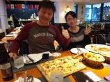 """Weihnachtsstimmung kommt dann am Abend auf - beim Weihnachtsessen im Restaurant """"Bodensee"""" und auf dem Nachhauseweg durch das stimmungsvolle Xi'an."""