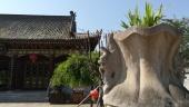 Erstes, zufälliges Ziel: der Xiangji Tempel. Eine absolute Idylle.