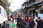 Menschenmassen in der Altstadt von Chengdu.